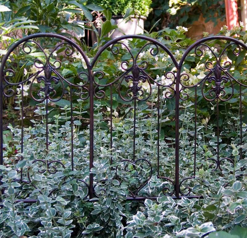 beeteinfassung aus metall modell devon the garden shop. Black Bedroom Furniture Sets. Home Design Ideas