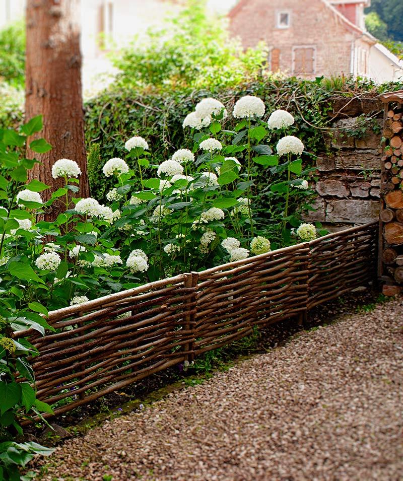beeteinfassung haselnuss the garden shop. Black Bedroom Furniture Sets. Home Design Ideas