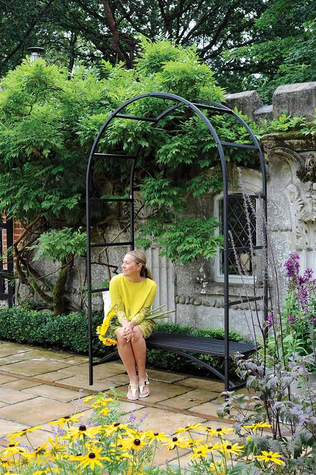 rosenbogen mit bank the garden shop. Black Bedroom Furniture Sets. Home Design Ideas