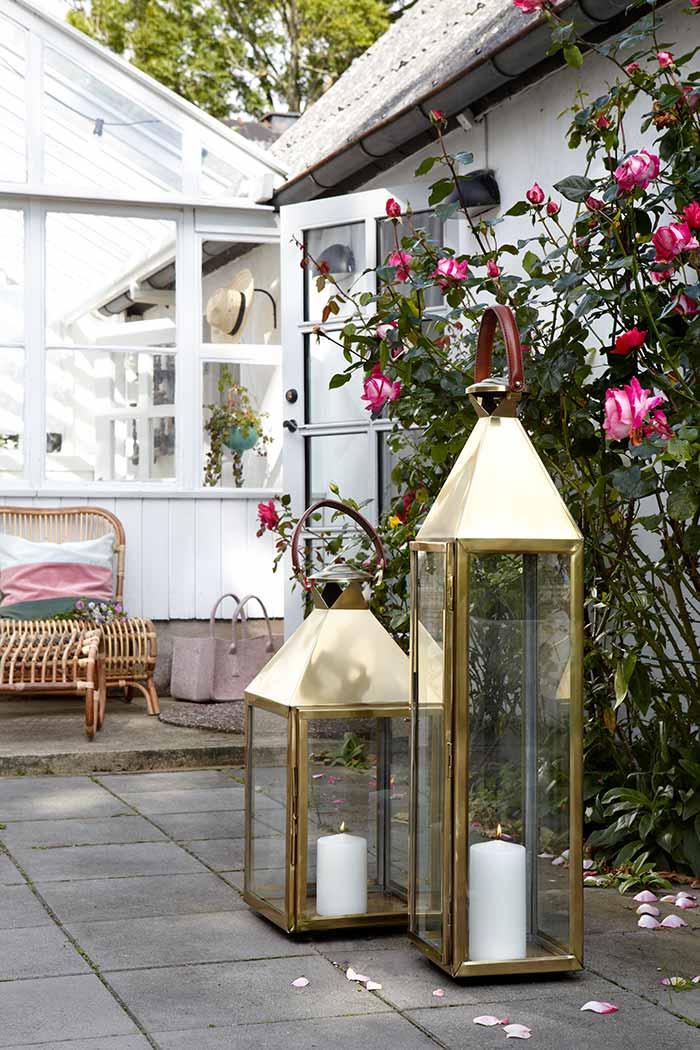 laterne metall messing the garden shop. Black Bedroom Furniture Sets. Home Design Ideas
